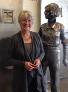 Fiona with the Jean Batten statue at Rotorua airport. Photo credit: Jill Nicholas.